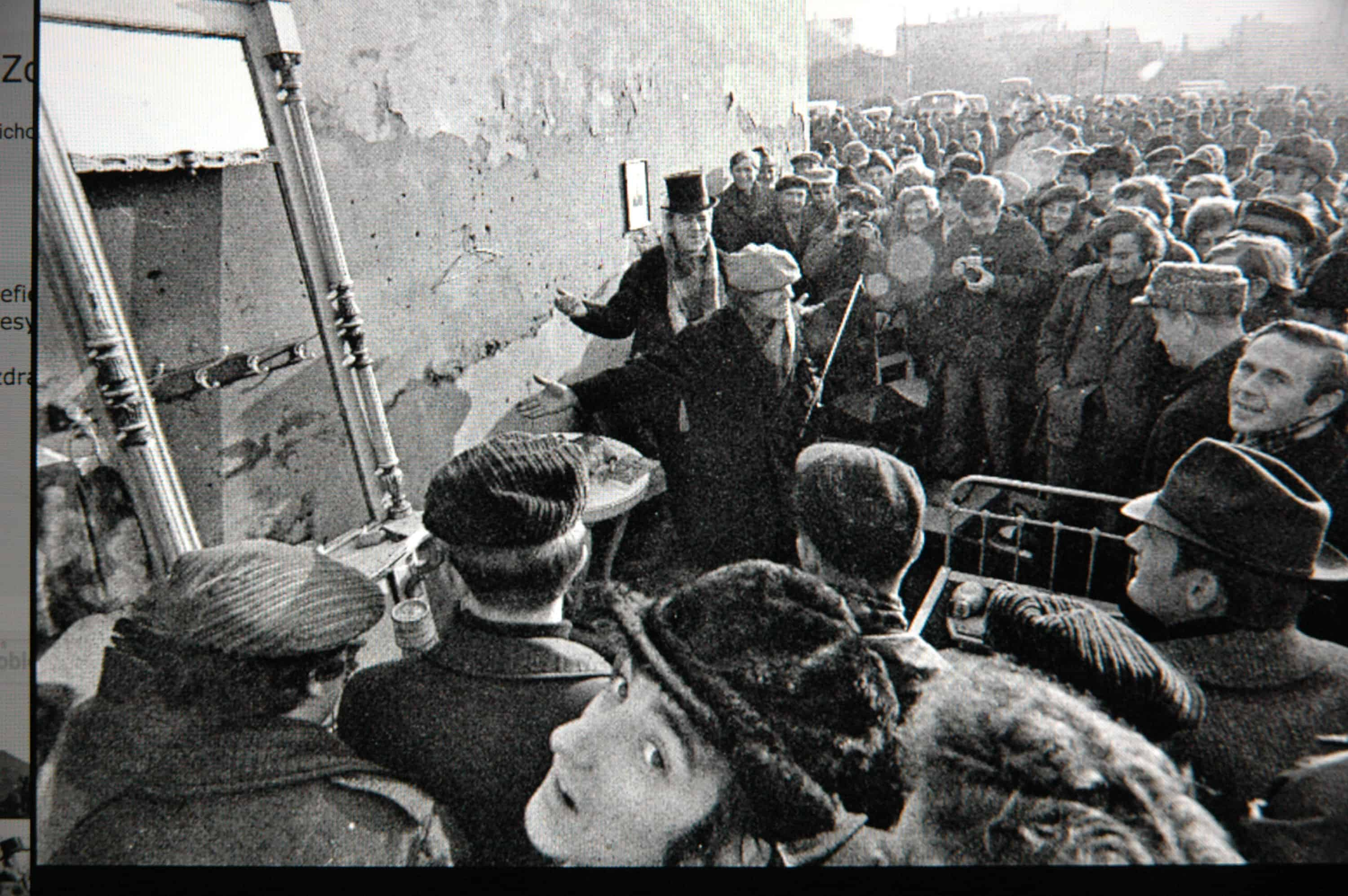 """Józef Robakowski, """"The Sale of Furniture,"""" public action in the market square in Łódź, 1971 (photo by Janusz Połom), courtesy of the Exchange Gallery"""