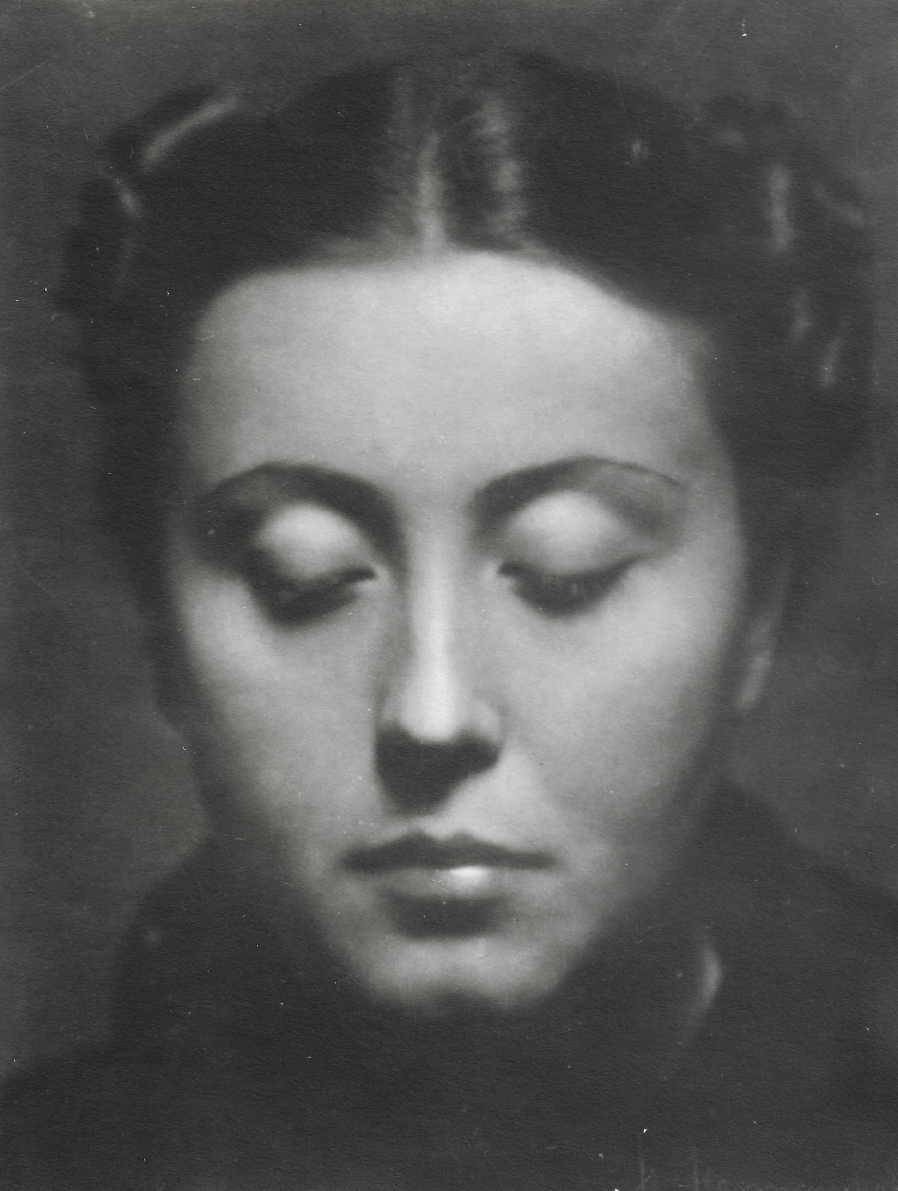 """Henryk Hermanowicz, """"Woman with closed eyes"""" by Galeria Dyląg"""