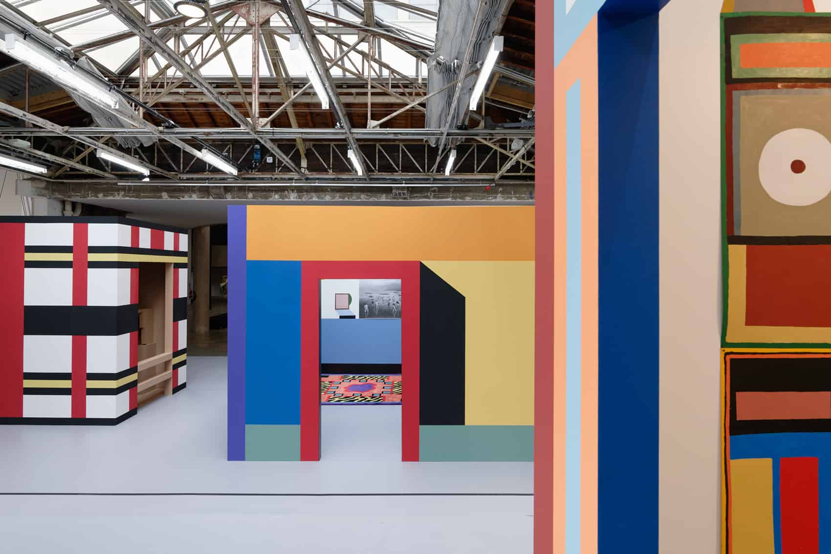 From the fist to the last plane: Nathalie Du Pasquier, Cabine n°3 : AS THE PLANE WAS REACHING CRUISING ALTITUDE 2, 2019, Installation, five painting, oil on paper, Cabine n°1 : CASA MIA, 1984-2019, Installation, mixed media, paintings, wool carpets, photocopies, Cabine n°2 : TROUVÉ DANS UNE GROTTE, 2019, Painted wood, Courtesy of the artist, Photo credit : Aurélien Mole