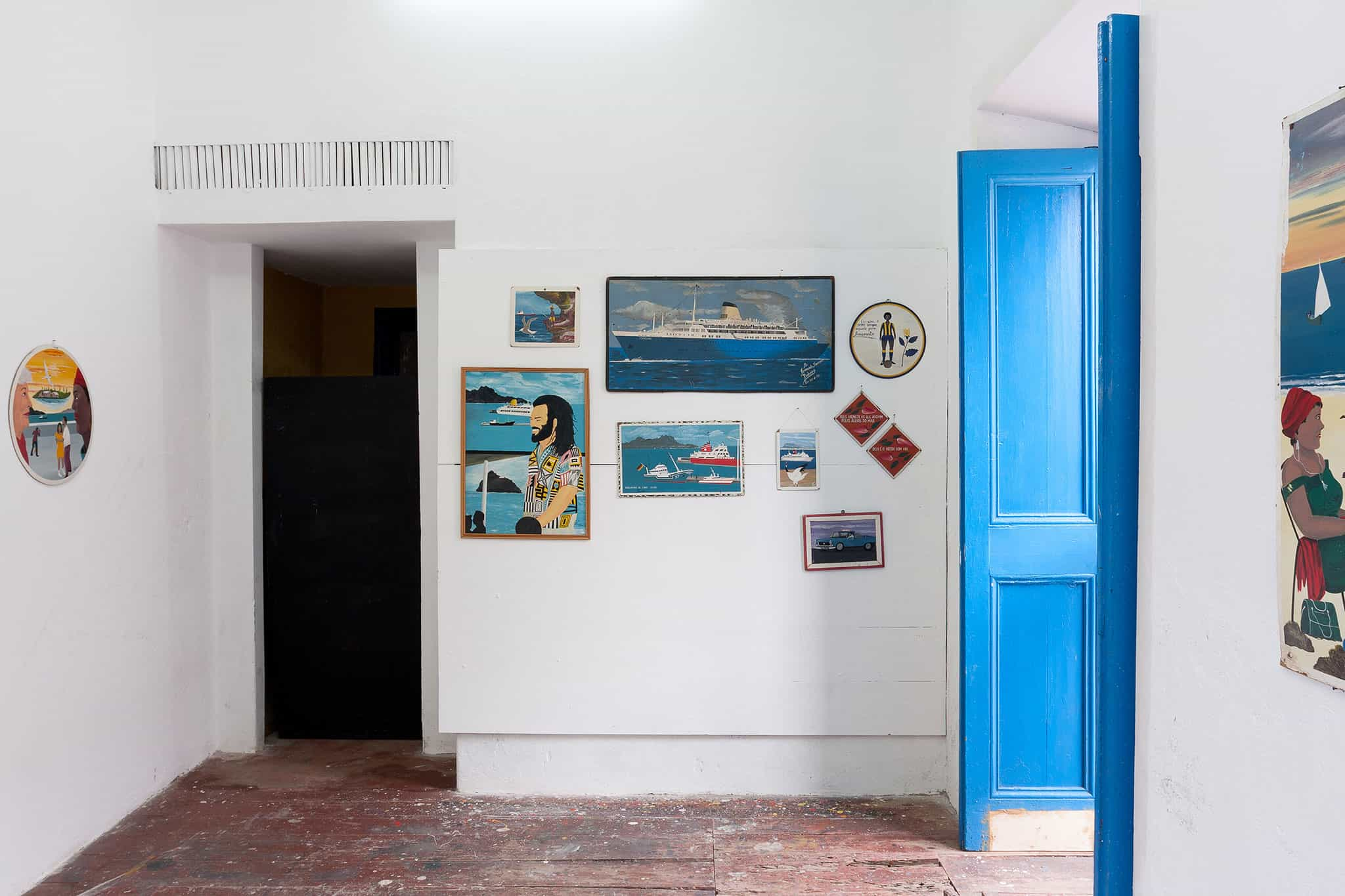 Partial view of the exhibition Mundo Cão (%22Dog World%22), with works by the late Armando Pinheiro (co-curated with Elisângela Monteiro)
