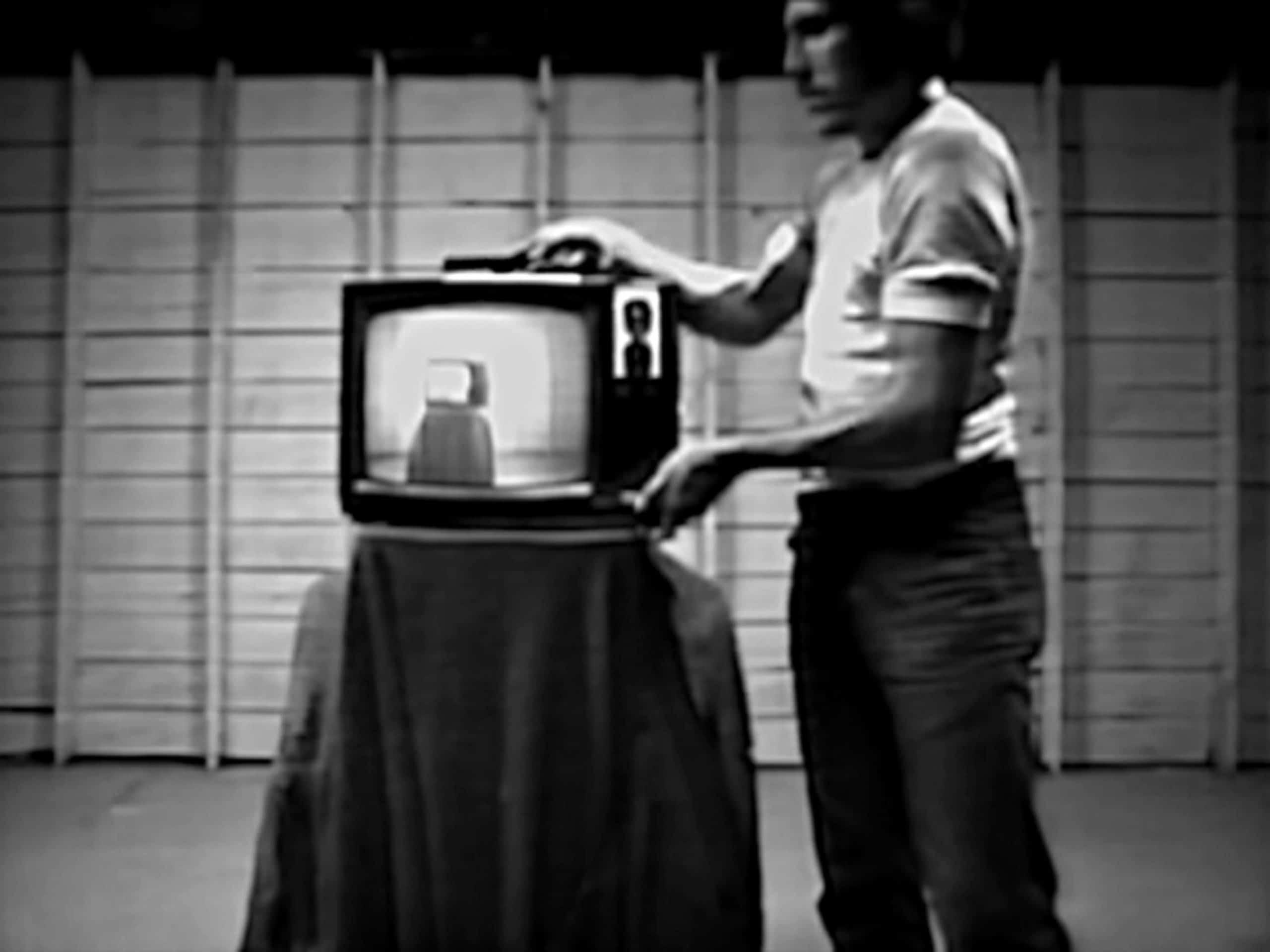 "James Byrne, Translucent, 1974, 2'15"", courtesy of Electronic Arts Intermix (EAI), New York"