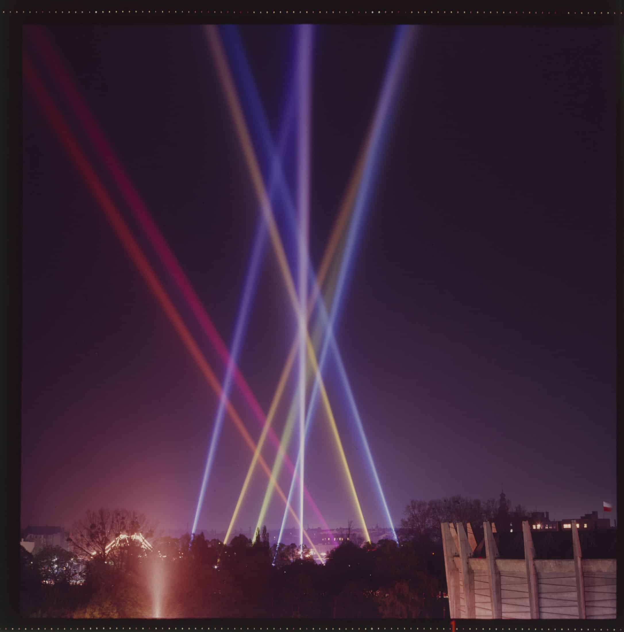 Henryk Stażewski, Unlimited Vertical Composition – Nine Streams of Colour in the Sky, 1970, documentation of the action. Photograph by Michał Diament. MWW collection