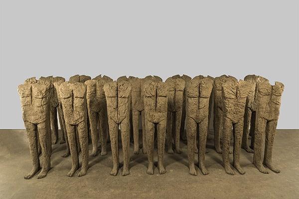 Abakanowicz, Crowd IV, exhibition