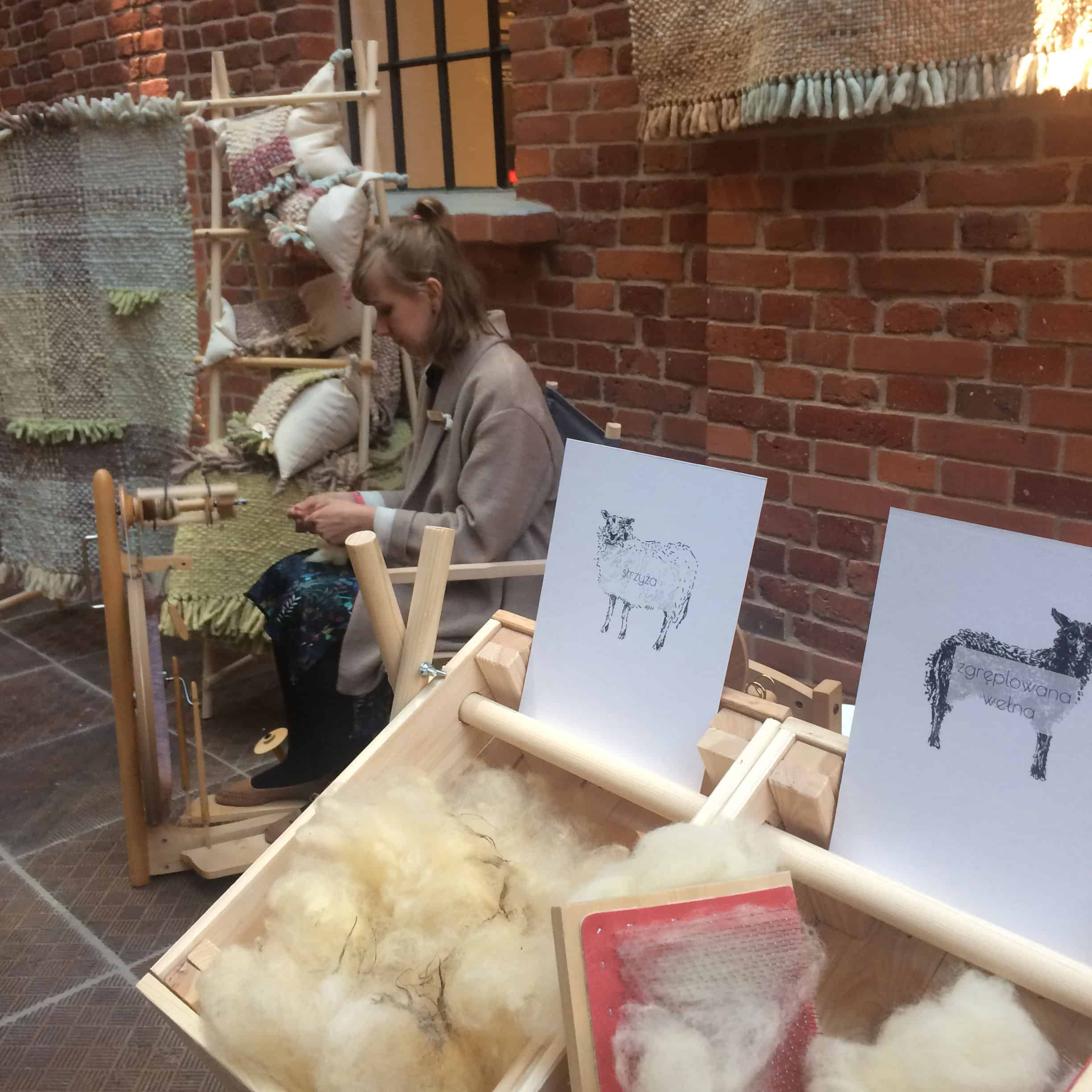 From fleece to thread - hand spinning wool performance
