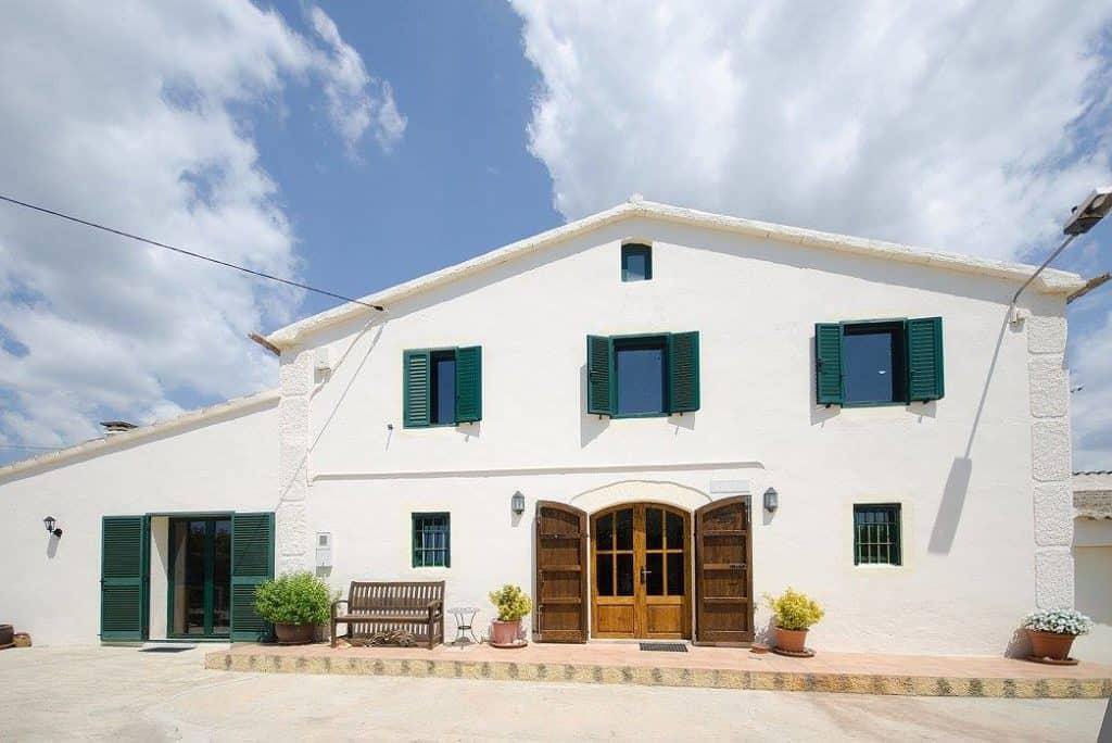 Hannacc Residence for Arts and Creativity in a Rural House, Near Barcelona, Spain