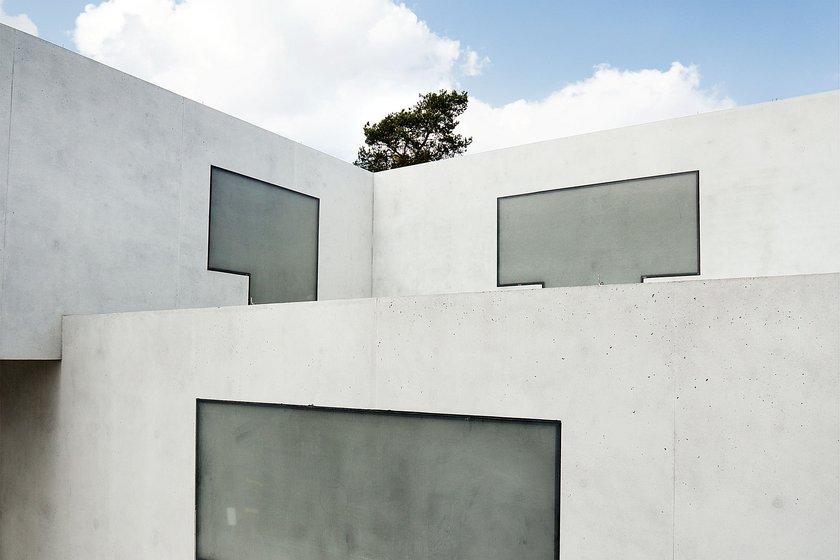 the Bauhaus Dessau Foundation and the GfZk Museum of Contemporary Art Leipzig